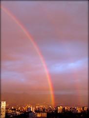 ARCOIRIS EN SANTIAGO (Pablo C.M || BANCOIMAGENES.CL) Tags: chile city santiago primavera arcoiris lluvia ciudad providencia bancoimagenes