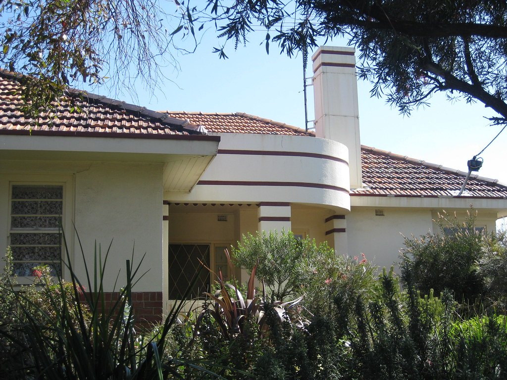 A Streamline Moderne Villa in Cream and Red - Coonans Hill