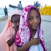 Shy girls in Lamu - Kenya (Eric Lafforgue) Tags: africa island kenya culture unescoworldheritagesite afrika tradition lamu swahili afrique eastafrica quénia lafforgue ケニア quênia 123001 كينيا 케냐 кения keňa 肯尼亚 κένυα tradingroute кенијa