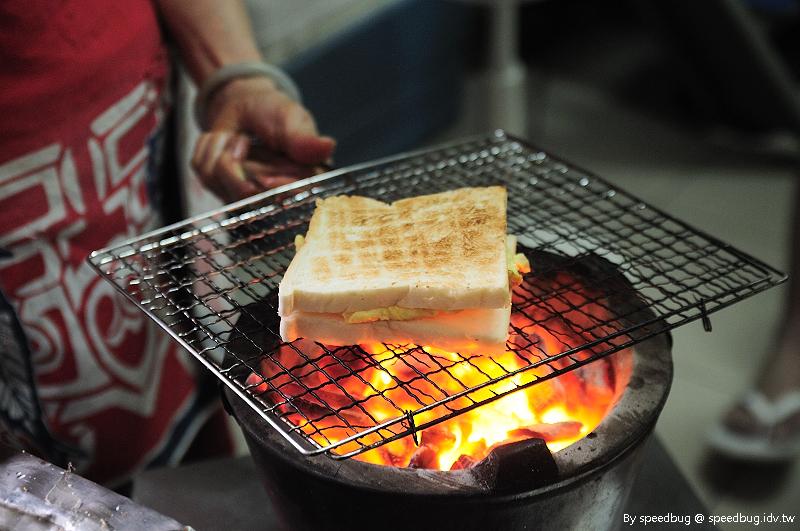 今日熱門文章:【台南中西】武廟旁小巷.阿嬤炭烤三明治