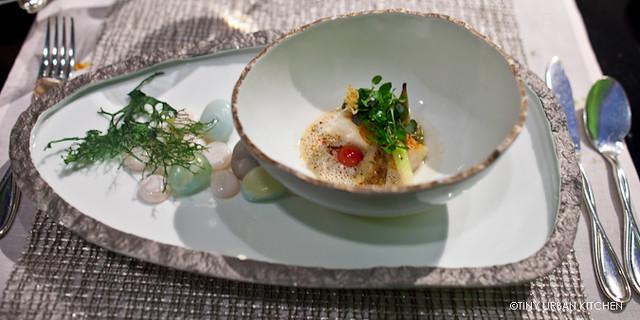 Le Turbot  aux artichauts épineux et un jus de barigoule  Turbot and artichoke cooked in cocotte, barigoule jus