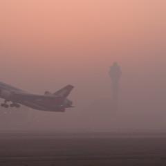 Take Off (albi_tai) Tags: nikon shanghai takeoff cina aereo foschia aereoporto d90 decollo nikond90 albitai