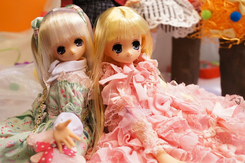 Dolls in Wonderland 13-1