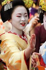 Chat (Teruhide Tomori) Tags: festival japan kyoto maiko   kimono teaceremony teaparty   kamishichiken    ichimari