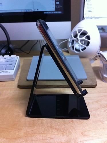 iPhoneスタンド(SANWA SUPPLY, PDA-STN2BK)