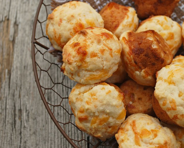 Mini Cheesy Biscuits