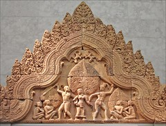 Episode du Maha-Bharata (musée Guimet) (dalbera) Tags: paris france cambodia angkor banteaysrei sunda fronton mahabharata andrémalraux muséeguimet dalbera artkhmer anniedalbera tilottama upasunda