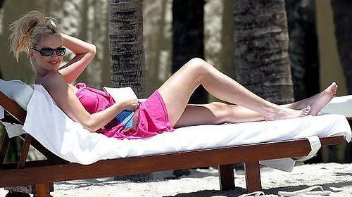 Adriana-Slenarikova-tomando-el-sol