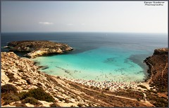 Il Cuore di Lampedusa (DiegoGuidone) Tags: pictures desktop light sea italy panorama art beach colors canon landscape geotagged eos photo nice barca italia mare foto good cove picture sigma diego playa natura belle wallpapers fotografia roccia per azzurro colori spiaggia dei cala conigli isola lampedusa sfondo sfondi tema photografy scoglio photocard 18250 550d guidone
