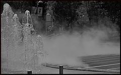Escondite (JORDY1611) Tags: blackandwhite bw blancoynegro water agua nikon smoke bn bilbao bizkaia humo euskalherria euskadi paisvasco d7000 nikond7000