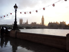 London (Vicky-S) Tags: sunset london westminster rain thames landscape lluvia big tramonto ben pluie bigben londres pioggia londra paesaggio tamigi puestadelsol westminsterpalace palazzodiwestminster