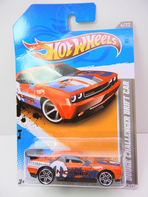 hot wheels dodge challenger drift car orange (1)