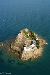 L'le Lout (OT Carantec) Tags: location phare insolite morlaix baie le carantec lout