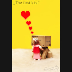The first kiss (Oliver Totzke) Tags: 2 love canon toy 50mm kiss mark f14 first days ii 5d 365 usm ef danbo revoltech danboard 5d2 5dmk2