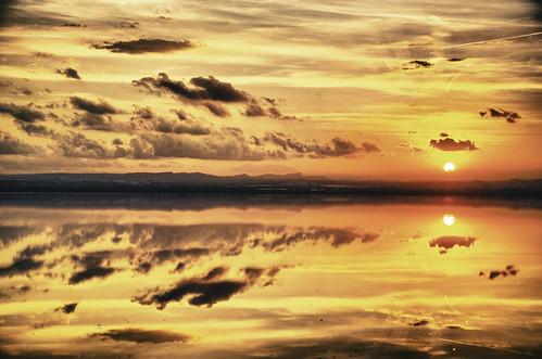 無料写真素材, 自然風景, 朝焼け・夕焼け, 河川・湖, 橙色・オレンジ, 反射・鏡像