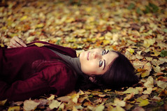 Ode to Autumn (Federica Mu ) Tags: autumn girl beauty leaves foglie 50mm eyes ode dof bokeh f14 francesca explore occhi amica warmlight