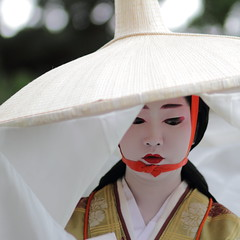 face / geisha / japan / kyoto / costume / hat / make up (momoyama) Tags: travel portrait people woman white flower green girl beautiful beauty face hat fashion festival japan canon japanese costume kyoto asia traditional culture makeup 85mm maiko geiko geisha 7d   matsuri jidai   naokazu jidaimatsuri2011