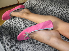 Pink ballet slippers on the bed, Model Sonia (Balletflat's lover) Tags: pink ballet feet foot toe bare rosa flats heels cleavage ankle slippers piede piedi nudo nudi caviglie ballerine ciabatte ciabattine heelpop heelpopping
