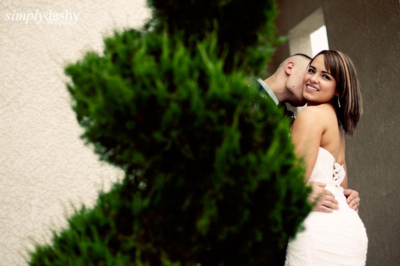 26_0370_BrideGroomTheLook