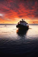 coming in (MD_MC) Tags: seascape nature sunrise boat