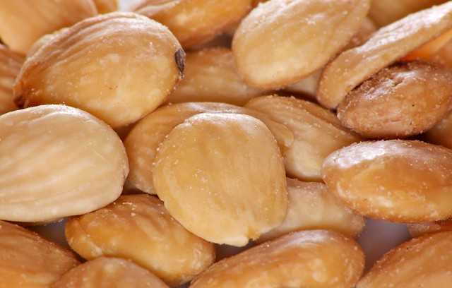 bar spain nuts snack almonds spanishfood appetiser frutossecos almendras marcona
