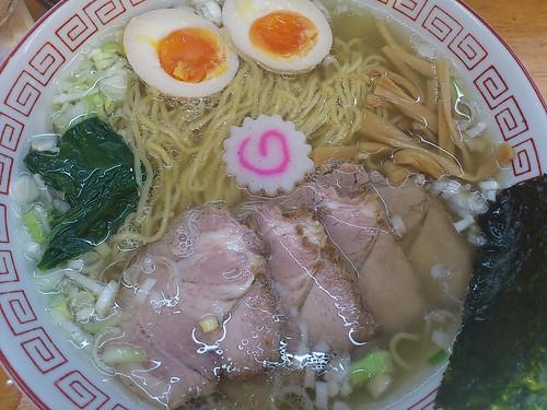 ra111112昭和歌謡ショー 七福白醤油ラーメン 大盛 味玉