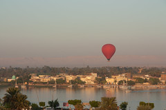 Luxor - balloon ride over the Nile (2) (Toon E) Tags: sunrise balloon egypt nile luxor 2011 canon450d