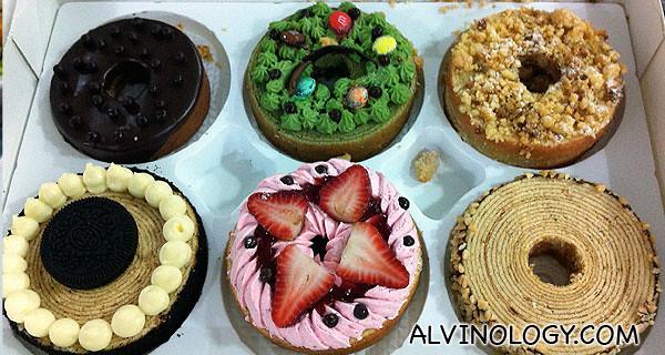 Half a dozen of Baumkuchen cakes for takeaway