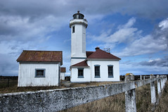 Point Wilson Lighthouse Port Townsend (Pastv4) Tags: blue lighthouse clouds fence washington lighthouses sony fortworden porttownsend pacificnorthwest washingtonstate straitofjuandefuca masoncounty admiraltyinlet westcoastlighthouses washingtonlighthouses bwpolarizerfilter westcoastlighthouse washingtonstatelighthouse lighthousesofwashingtonstate slta55v sonyslta55v sonyalpha55v sonyalpha55vcamera sonyslta55valphacamera washingtonstatelightouses sonyslta55alpha carlzeiss1635mmf28zassmlens