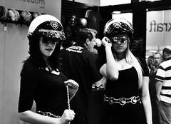 Salo Duas Rodas 2011 (De Santis) Tags: so paulo sp brasil brazil salo duas rodas moto motocicletas motorcycle motor hot babes girls girl garota mulher model modelo sunglass culos escuros nikon d3000 35mm preto branco black white boobies seios big police polcial helmet capacete blondie loira morena