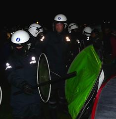 working with the stick (Le.Mat) Tags: brussels cops belgium protest police bruxelles bruselas brussel parc elisabeth eviction brutal koekelberg indignados