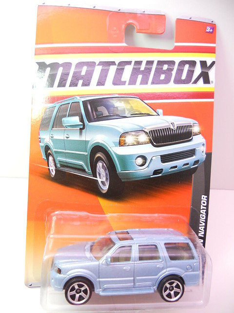 matchbox lincoln navigator blue  (1)