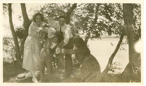 Carmen Bellido y amigos en el campo