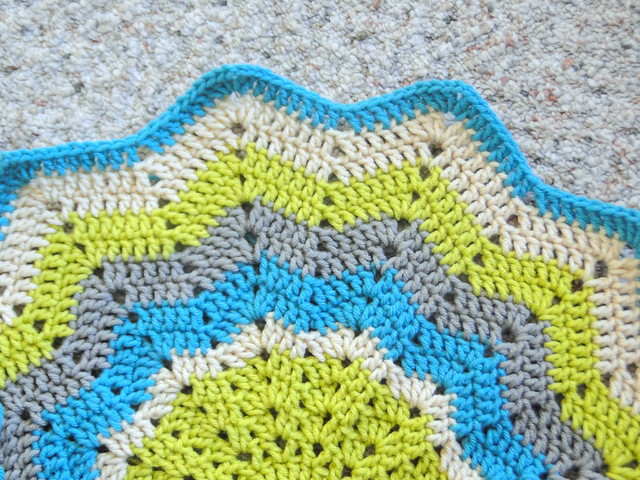 Knitting Pattern For Round Baby Blanket : plus 3 crochet: my creative space