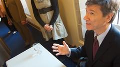 Jeffrey Sachs signing autographs