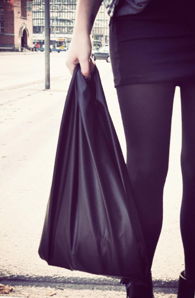 gTie leather shopping bag Kauppakassi Stella Harasek 2