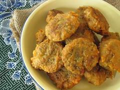 Kuih Kasturi ( mung bean fritters )