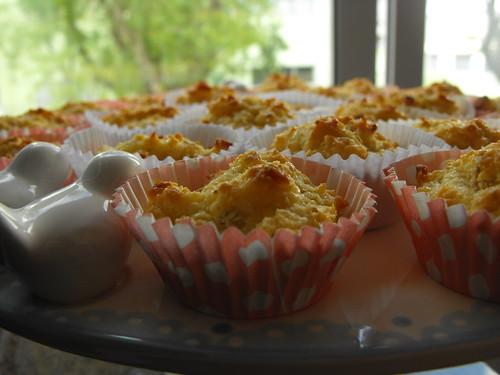 Bolinhos de coco com creme de pasteleiro
