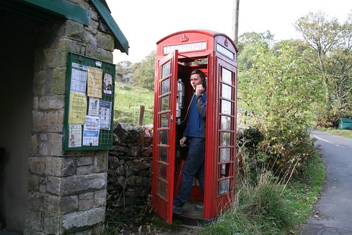 Bampton Phone box by ultraBobban