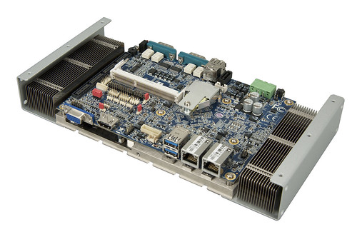 VIA EITX-3002 - Angle with Heat Sink
