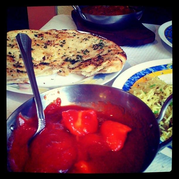 Pollo con salsa Madrás del Restaurante Taj Mahal de Alicante