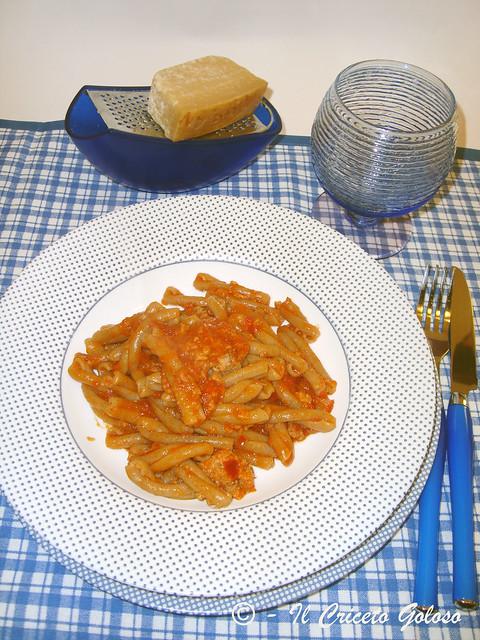 Pasta con tonno e salsa di peperoni 2