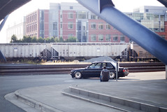 e30 & travis (Stephen Sayer) Tags: seattle light black color car silhouette dark bmw travis schwarz e30 impul slammed stance r3v fitment scwarz bimmerforums r3vlimited stanceworks