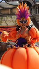 Pumpkin Girl / Mysterious Masquerade / Disney Halloween / Tokyo DisneySea (TDS) / TDR (haphopper) Tags: autumn people halloween dancers maria performers themepark tokyodisneysea 2010 tds tdr americanwaterfront mysteriousmasquerade tonimari
