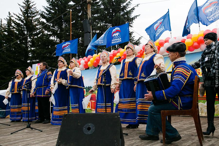 20111104-0146-Chebarkul-festival-pelmeney