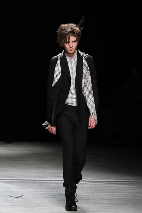 Zdenek Zaboj3097_SS12 Tokyo HEADL_INER(Fashionsnap)