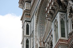 Duomo facade details.7 - Ornament around the Rose Window (rishao262) Tags: travel italy geometric architecture florence cathedral architecturaldetail tuscany duomo renaissance studyabroad brunelleschi giotto