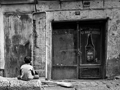 Hurt, Tarlabaşı - Istanbul (adde adesokan) Tags: street boy pen turkey hurt europe pov candid olympus istanbul türkei sit wait 12mm broom beyoglu m43 mft tarlabasi tarlabaşı mirrorless microfourthirds mirrorlesscamera
