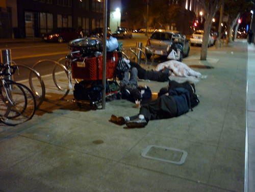 2009_1104_homeless-civiccenter