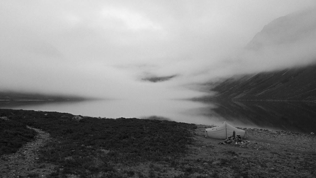 Camping besides Loch Einich